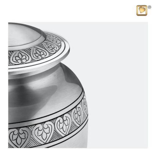 Premium Urn mat zilver met bladgravure A210 zoom