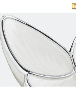 Vlinder urn wit A1042 zoom