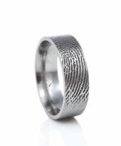 Zilveren ring met vingerdruk