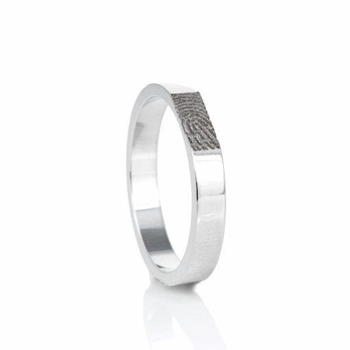Zilveren ring met rechte vingerafdruk
