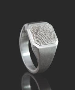 Zilveren zegelring met vierkante vingerafdruk