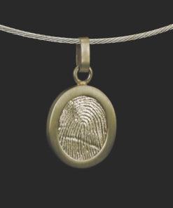 Gouden ovale hanger met vingerafdruk