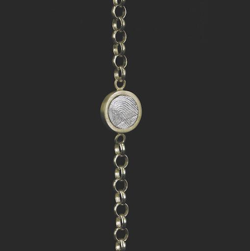 Gouden armband, kettinkje met ronde vingerafdruk met zilver