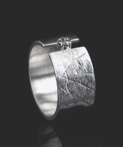 Zilveren ring met vingerafdruk en zikronia steen van 2 mm