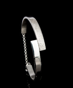 Zilveren stijve armband met vingerafdruk en zirkonia steen