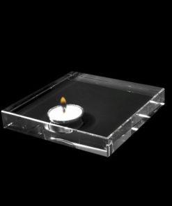 Glazen kubus met afgeschuinde hoek en lasergravure