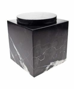 Cubos urn zwart